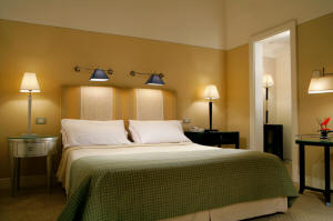 deluxe hotel accommodation Rome