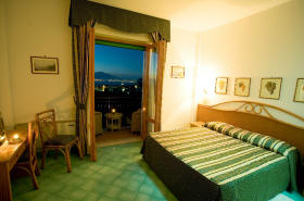 hotels in downtown sorrento
