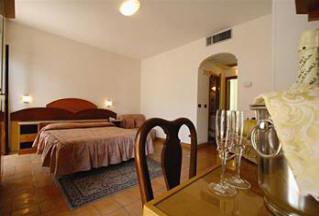Hotel Villa Romana suite, Minroi