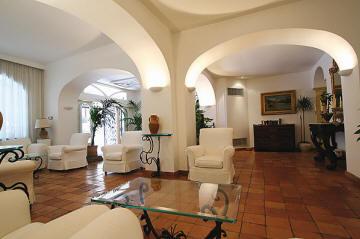 Hotel Villa Romana lounge, Minroi