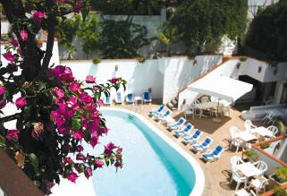 Hotel Villa Romana pool, Minroi